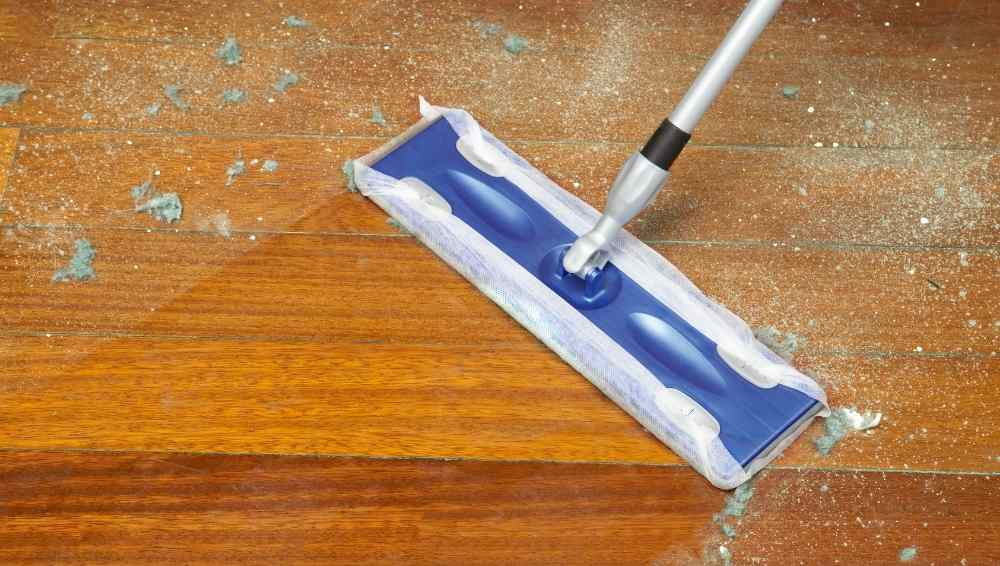 Cleaning a Dust Mop