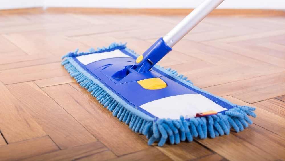 Launderable dust mop