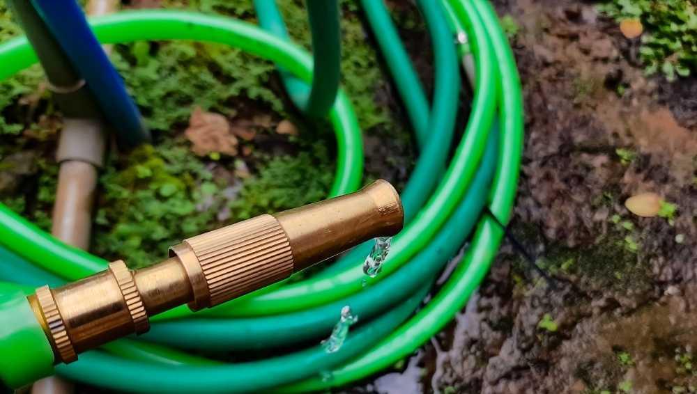 Examine the type of nozzle