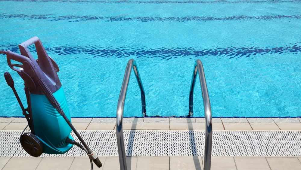 How to Clean Pool Tiles with a Pressure Washer