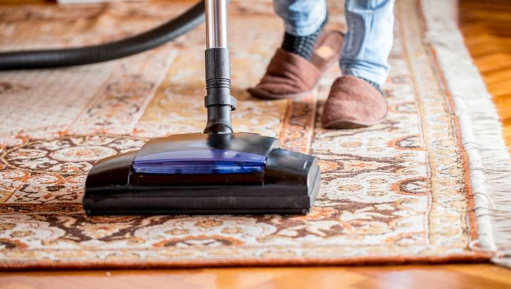 Cleaning an area rug